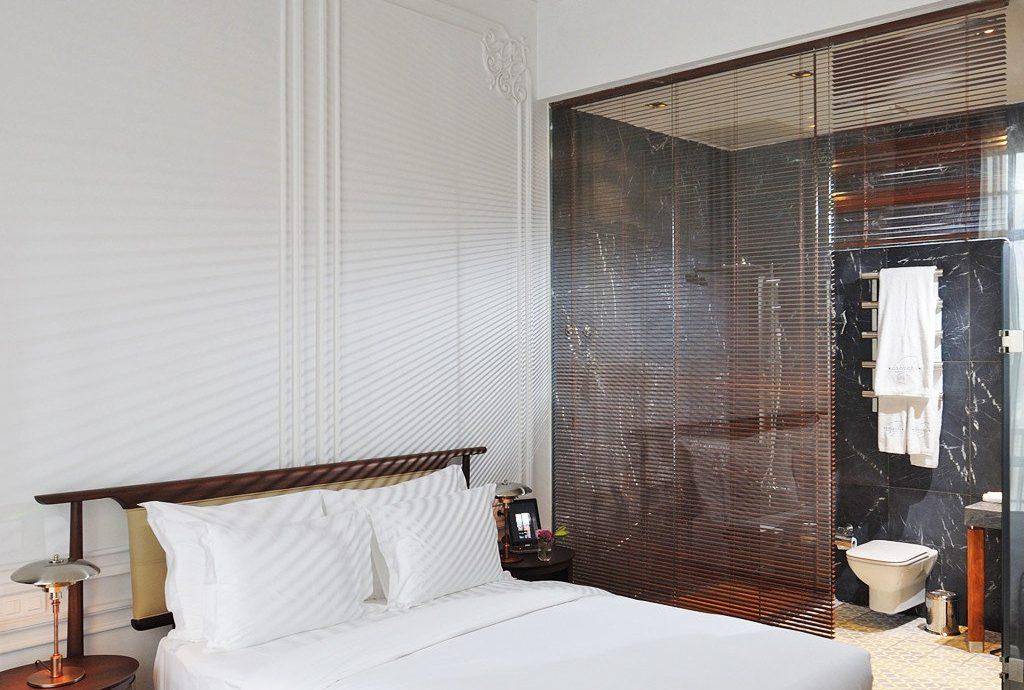 Bedroom Boutique Elegant property bed frame four poster living room bed sheet cottage