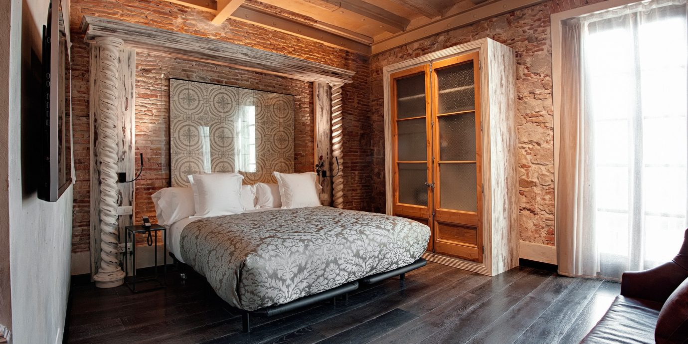 Bedroom Boutique Hip Historic Luxury property hardwood cottage Suite home farmhouse wood flooring living room mansion