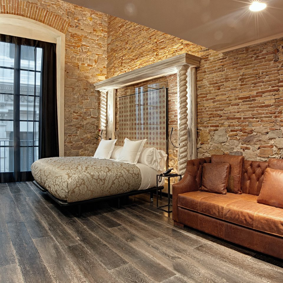 Bedroom Boutique Hip Historic Luxury sofa property living room hardwood home Suite flooring wood flooring cottage stone
