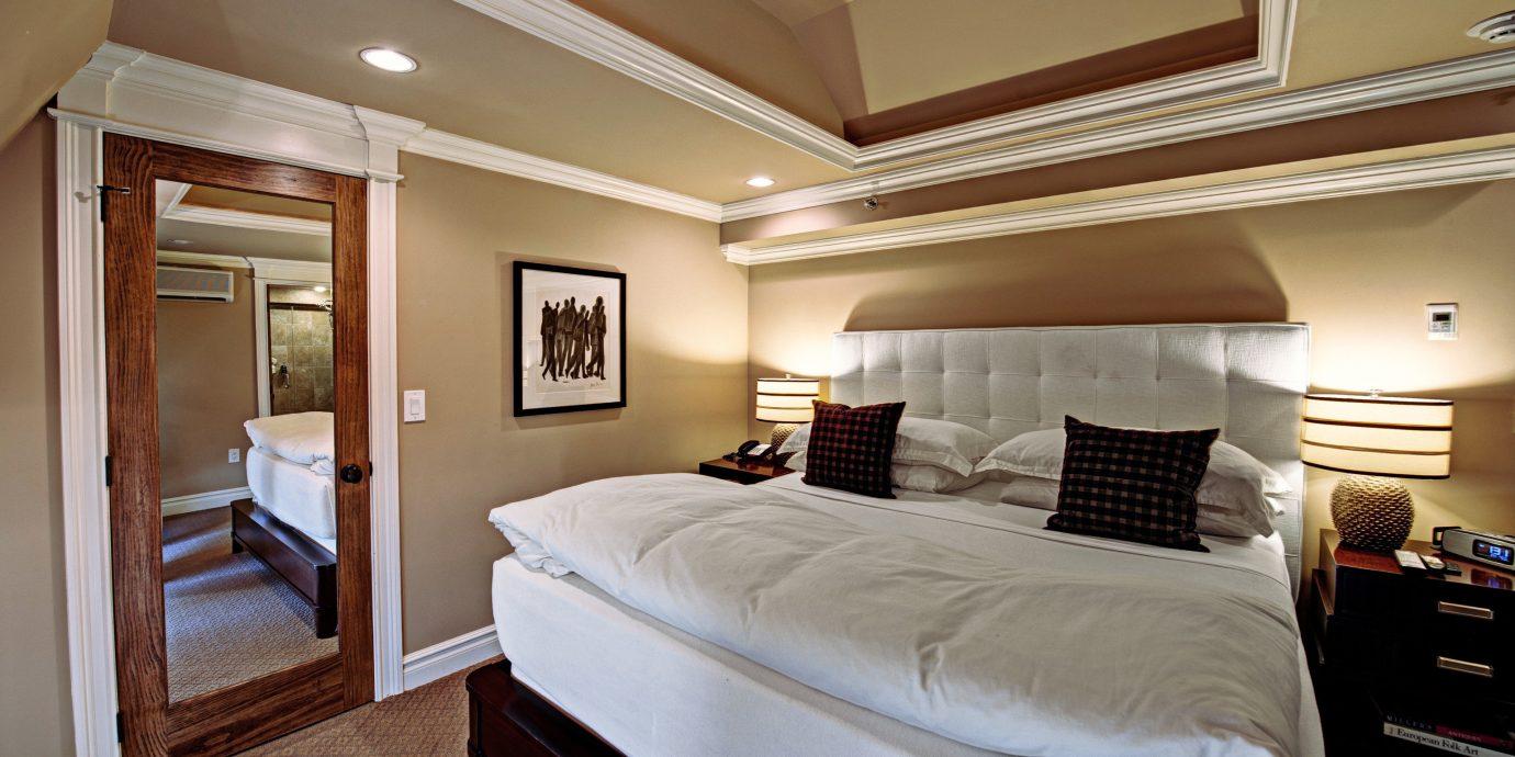 Bedroom Boutique Historic Inn property Suite yacht cottage passenger ship