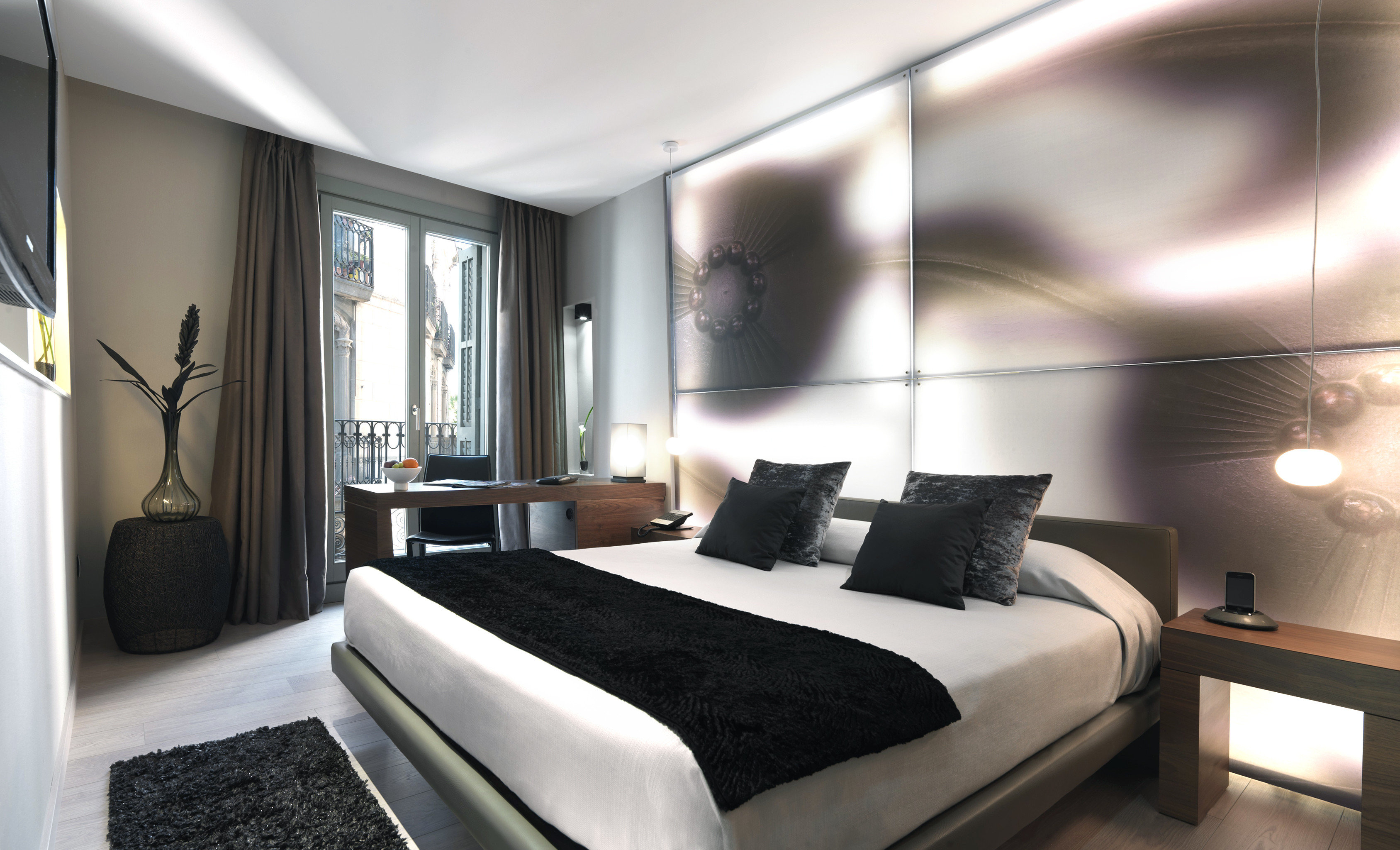 Bedroom Boutique Hotels City Hip Historic Hotels property Suite condominium living room