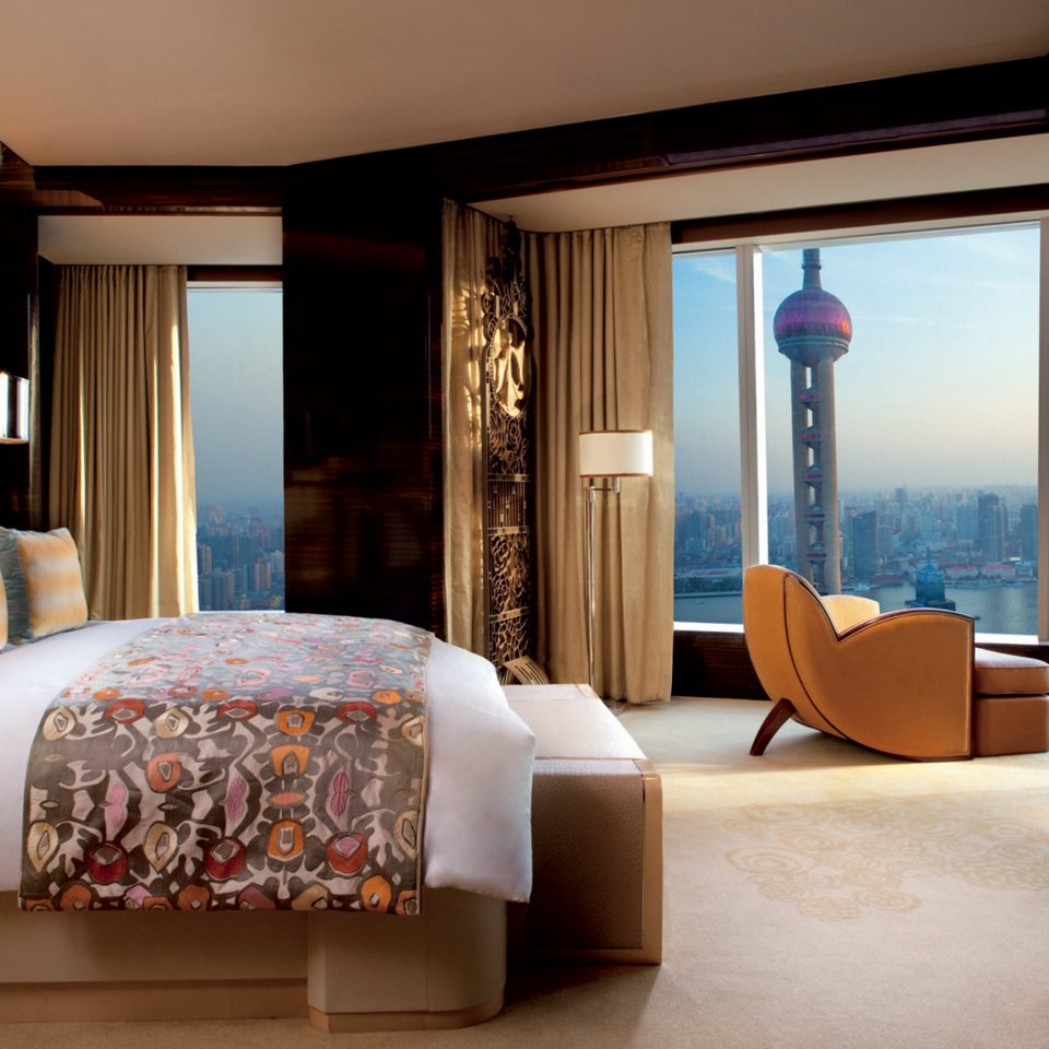 Bedroom Boutique Hotels City Luxury Luxury Travel Modern Scenic views Suite sofa property living room home cottage condominium flat