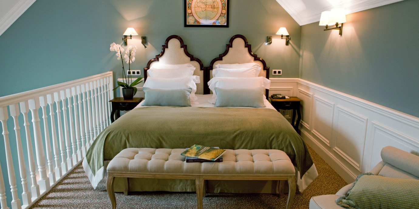 Bedroom Boutique Luxury Romantic Suite property living room green home cottage
