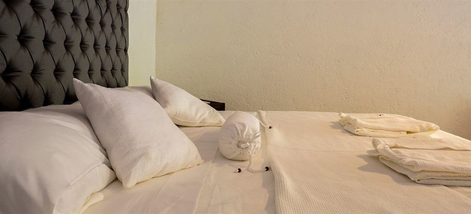 Bedroom Boutique Luxury Suite property white flooring pillow bedclothes