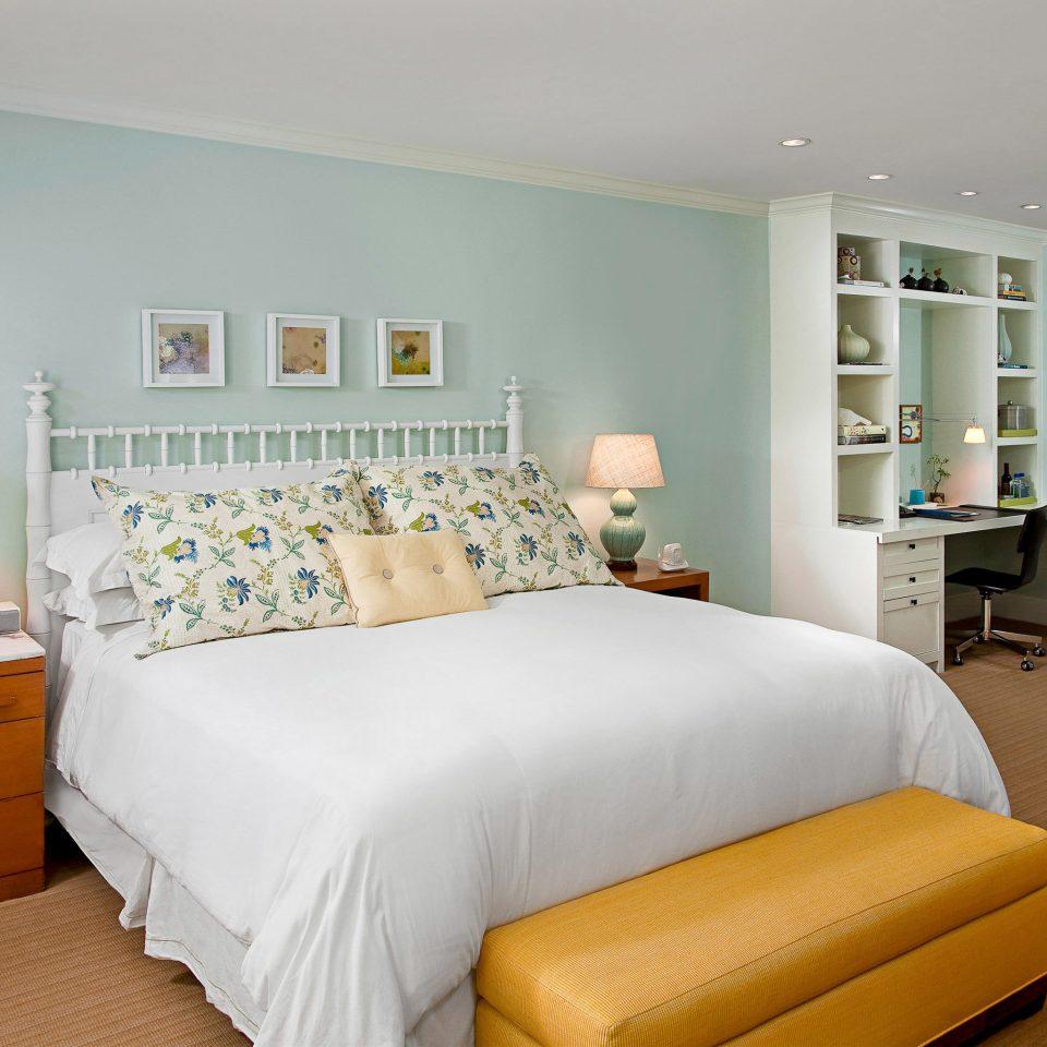 Bedroom Boutique Modern sofa property scene living room home hardwood bed frame cottage bed sheet lamp