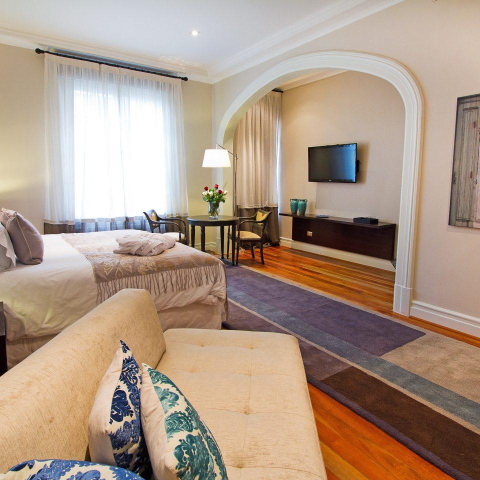 Bedroom Boutique Modern property living room home Suite cottage hardwood Villa