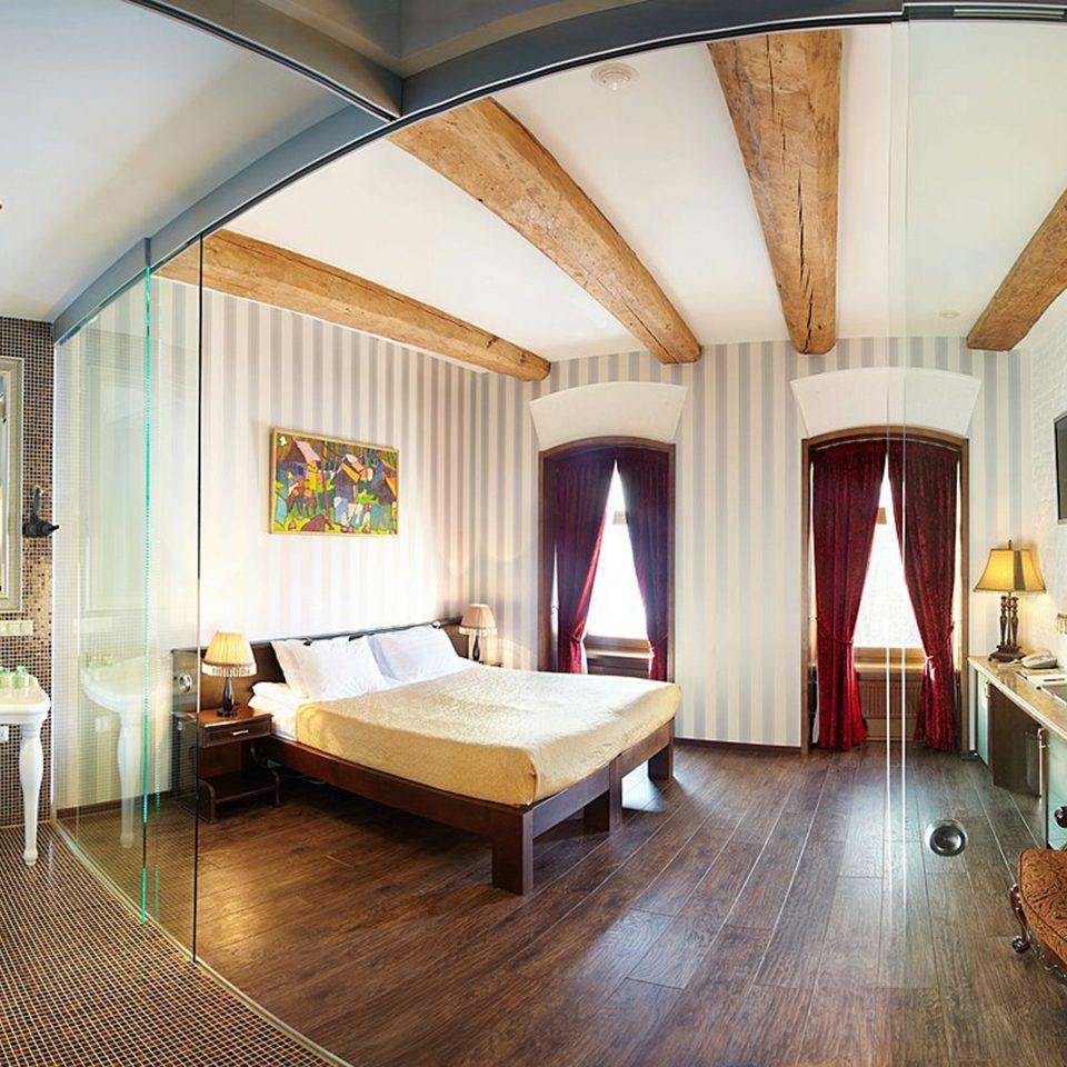 Bedroom Boutique property chair Resort Suite Villa home living room cottage mansion