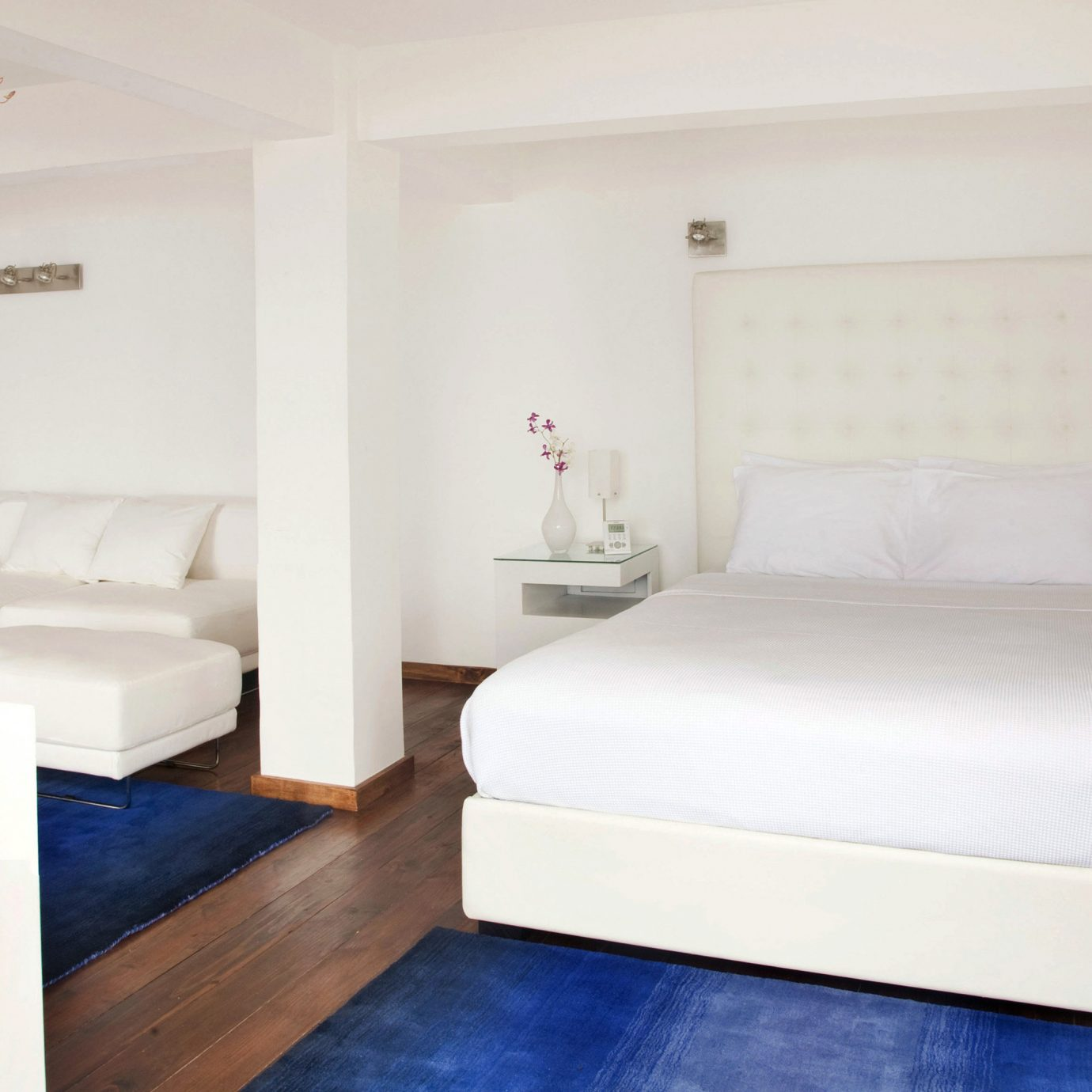 Bedroom Boutique Tropical property Suite cottage bed frame
