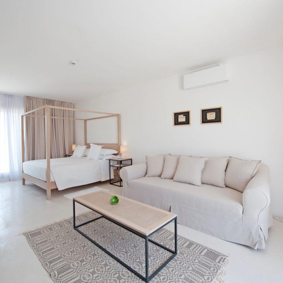 Bedroom Boutique Suite sofa property living room cottage home Villa condominium