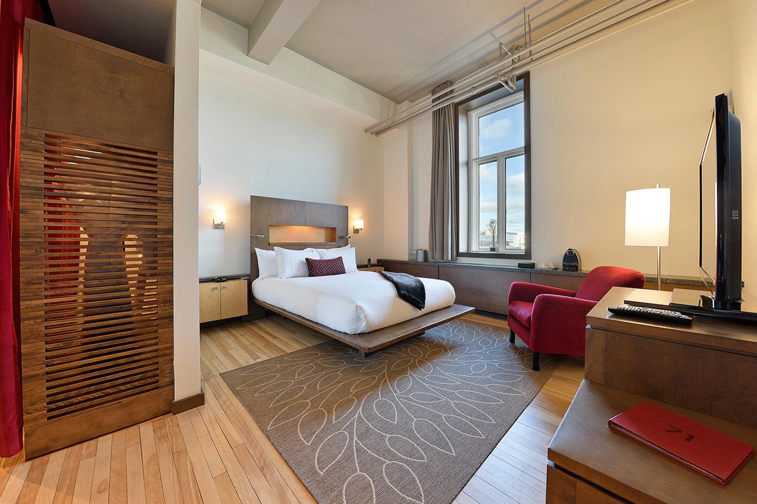 Bedroom Budget Business City Modern property Suite living room hardwood home condominium cottage