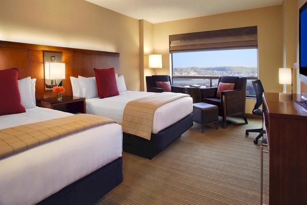 Bedroom Budget Business property Suite cottage Resort condominium