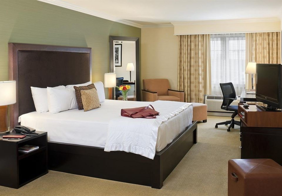 Bedroom Budget Business property Suite condominium living room cottage