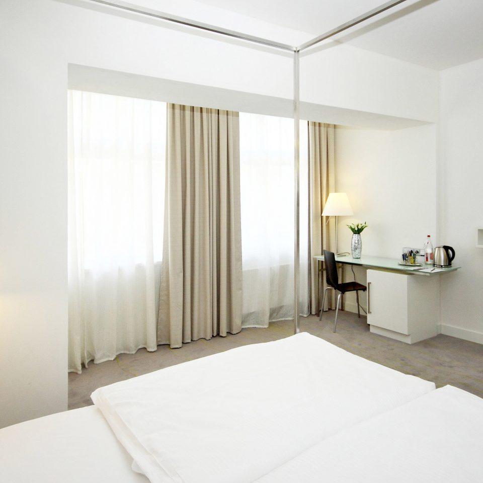 Bedroom Budget City Modern property Suite clean