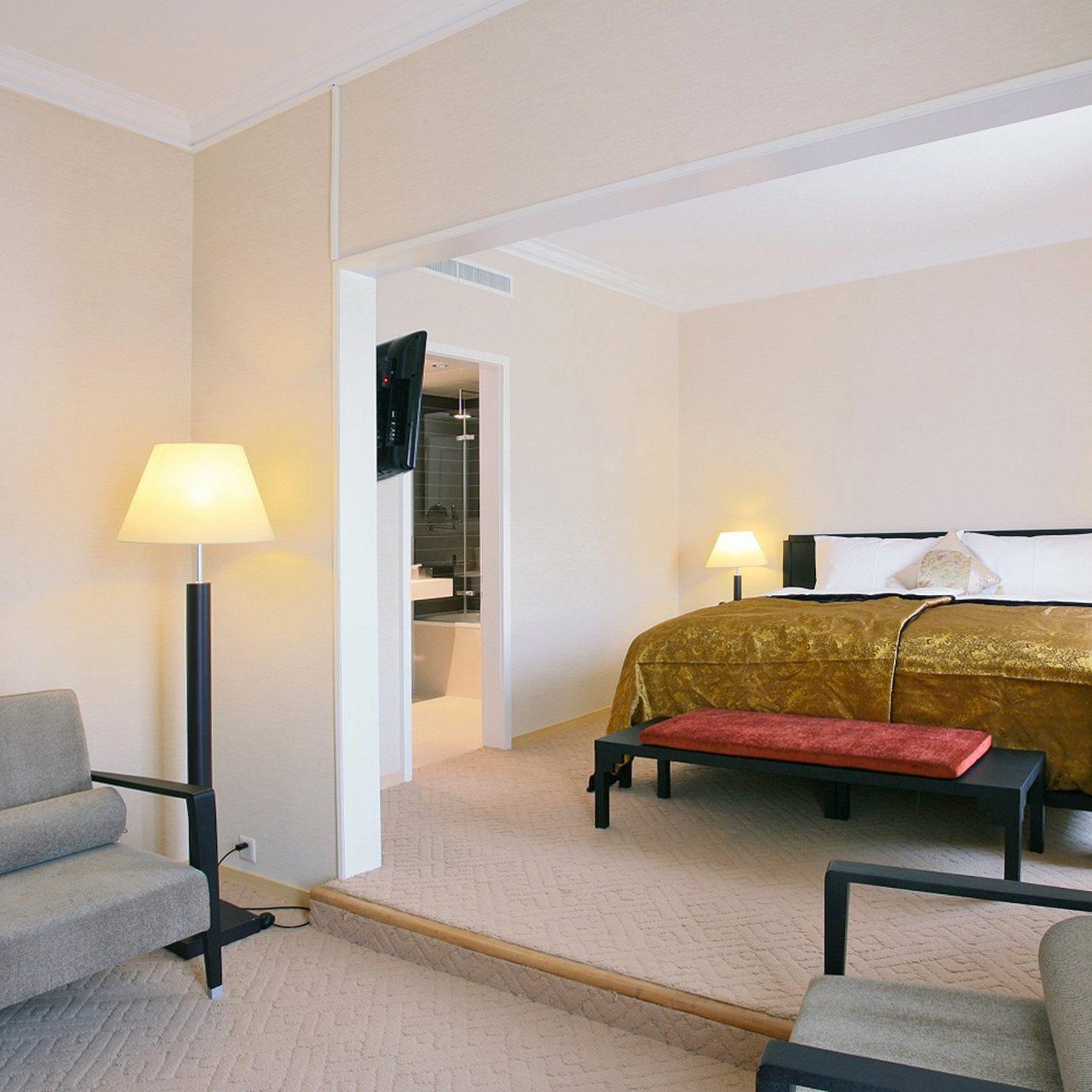 Bedroom Budget City property chair Suite living room condominium Villa cottage lamp