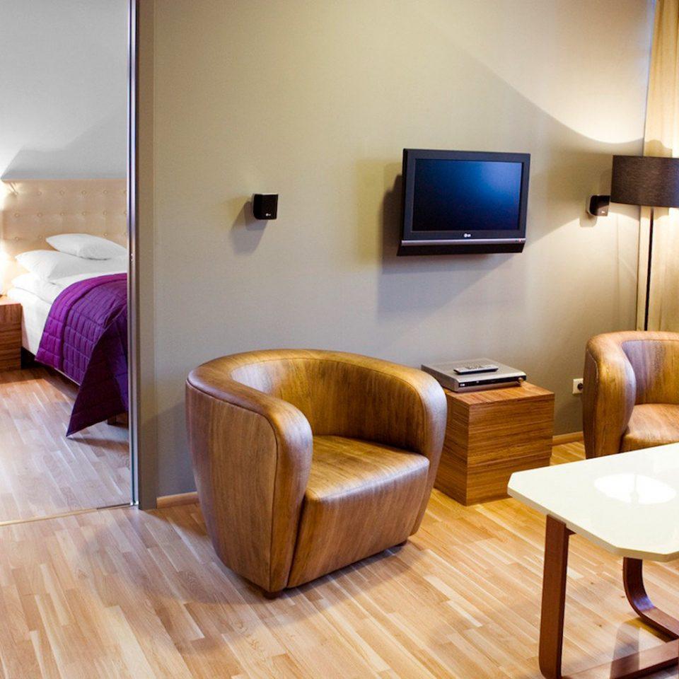 Bedroom Budget Grounds Modern property Suite wooden cottage living room