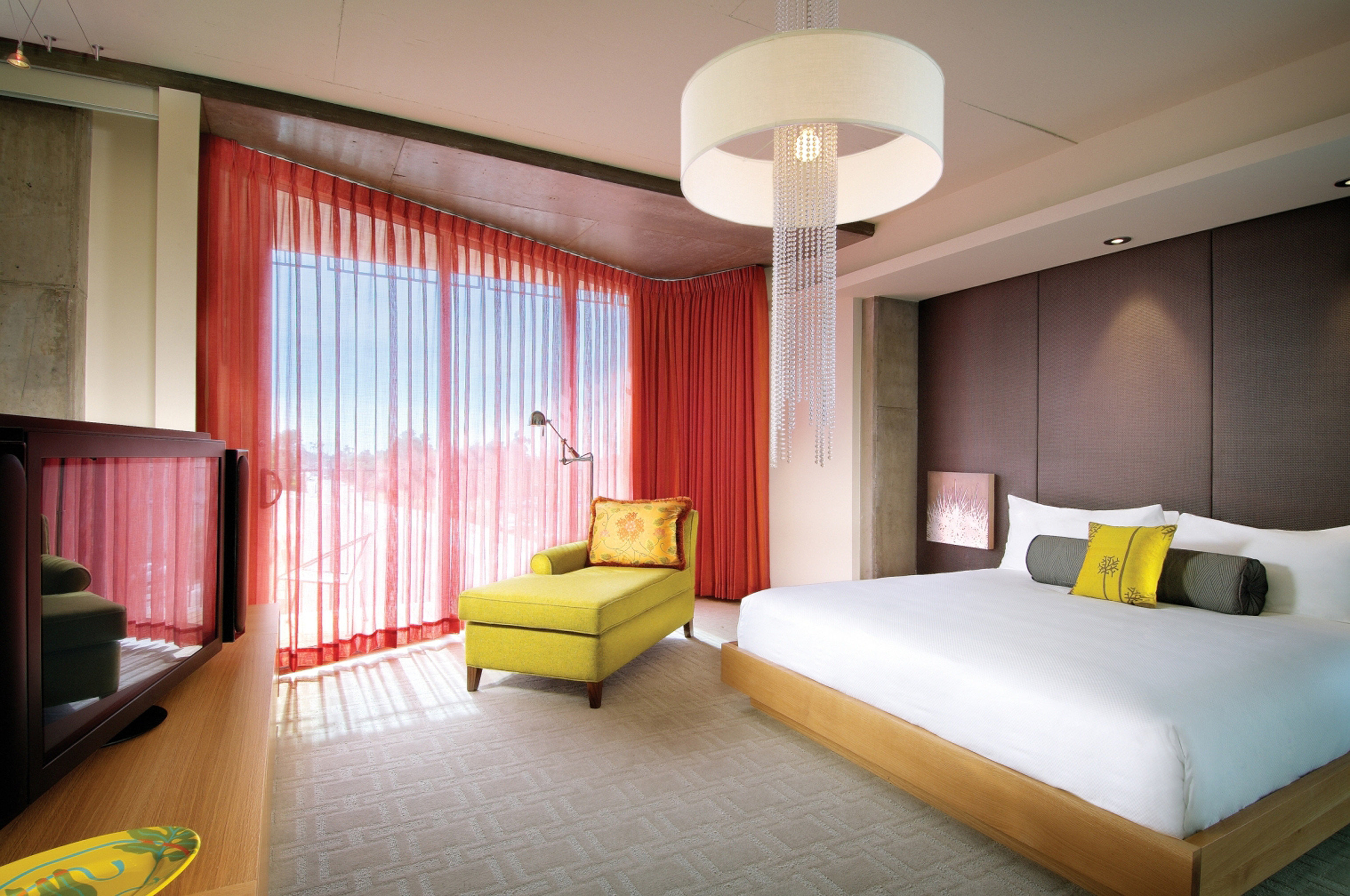 Bedroom Budget Hip Luxury Modern Suite property condominium living room lamp