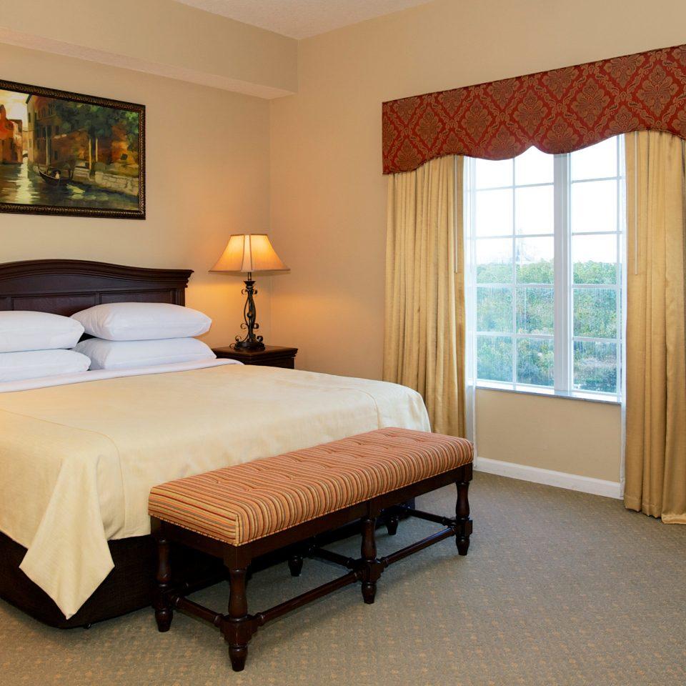 Bedroom Budget Suite property cottage home hardwood lamp