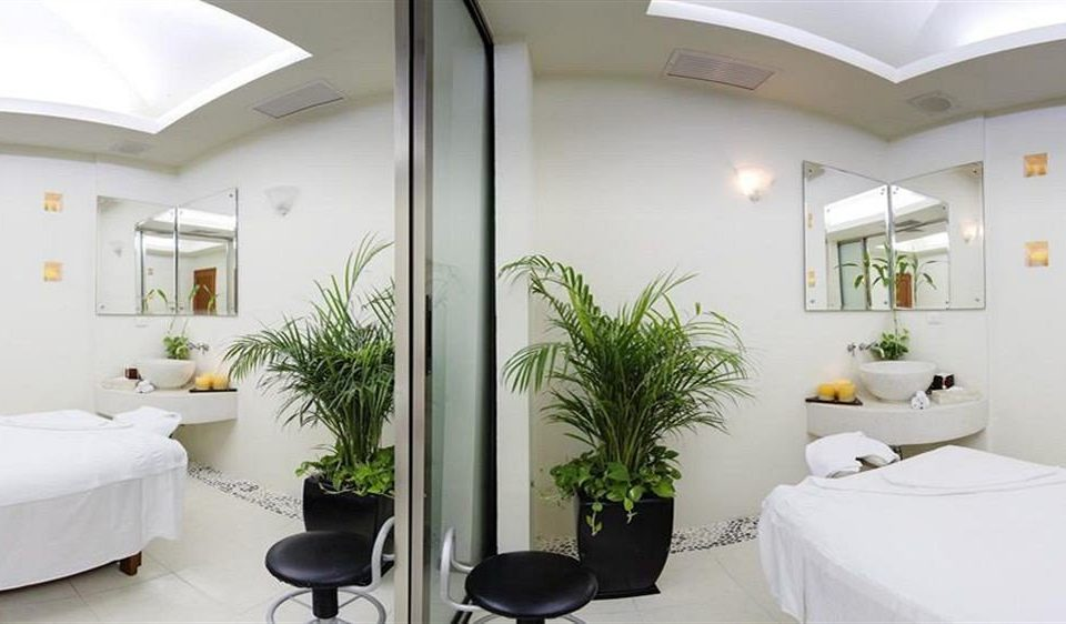 property building condominium waiting room clinic hospital living room Bedroom
