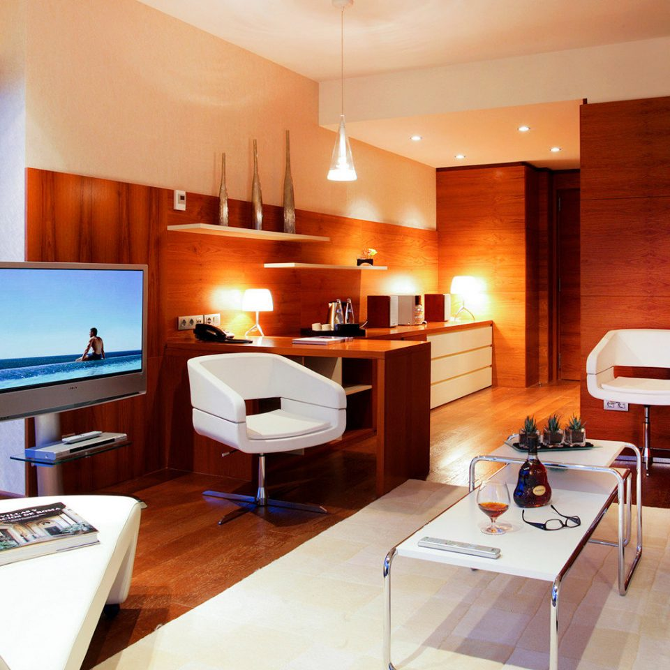 Bedroom Buildings Business City Modern Scenic views property Suite home condominium living room cottage Villa flat