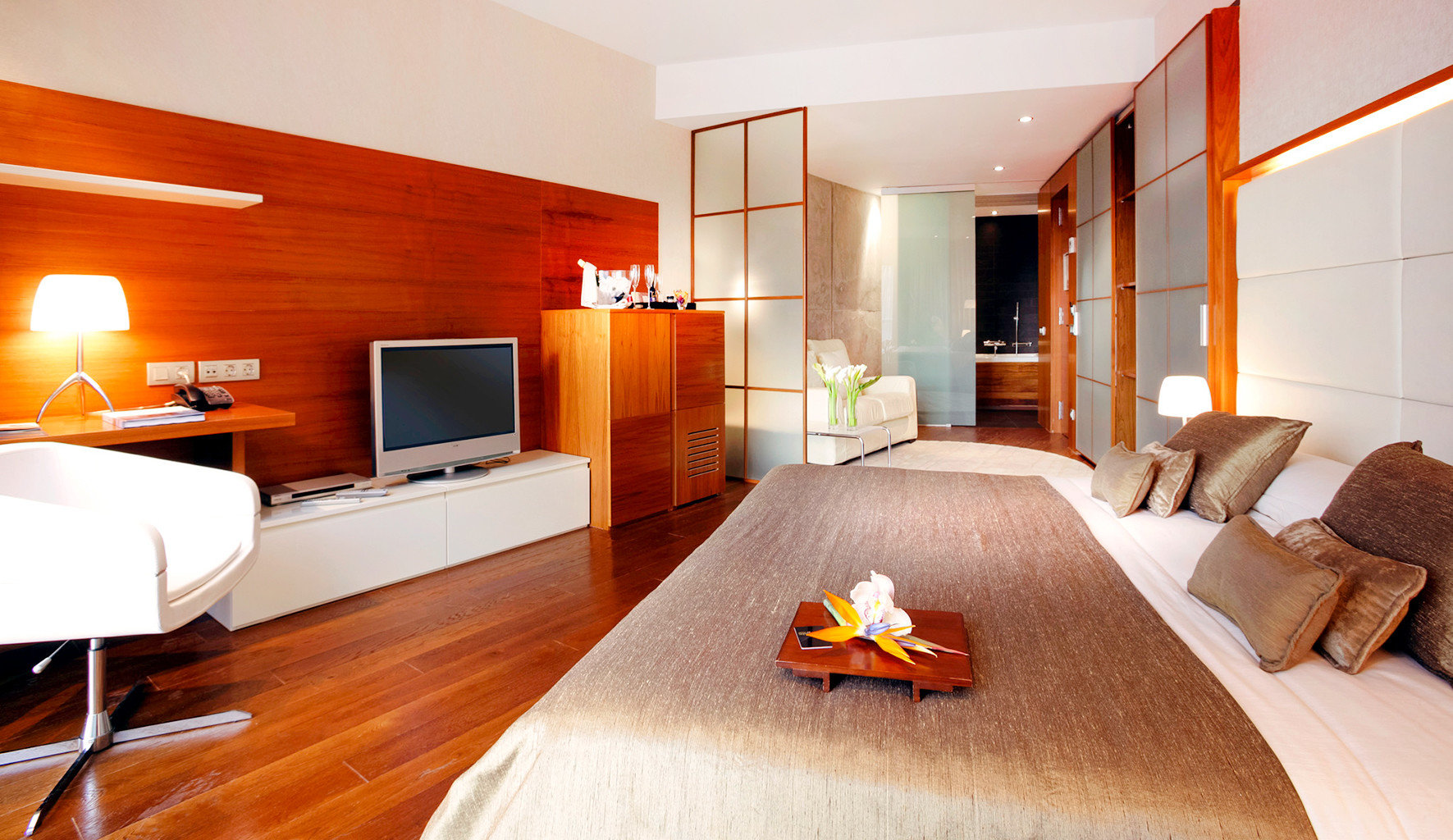 Bedroom Buildings Business City Modern Scenic views property Suite hardwood cottage living room flat