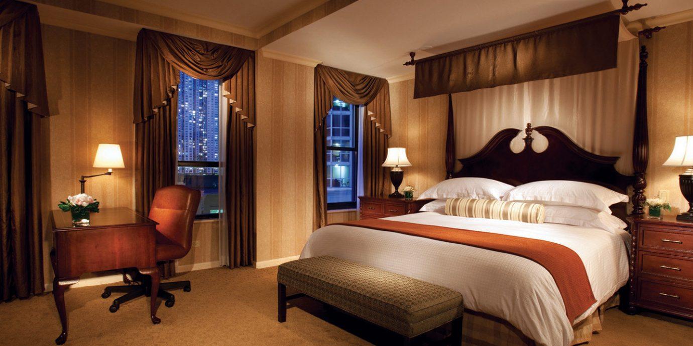Bedroom Buildings City Drink Eat Elegant Entertainment Landmarks Nightlife Shop property Suite home cottage Villa lamp
