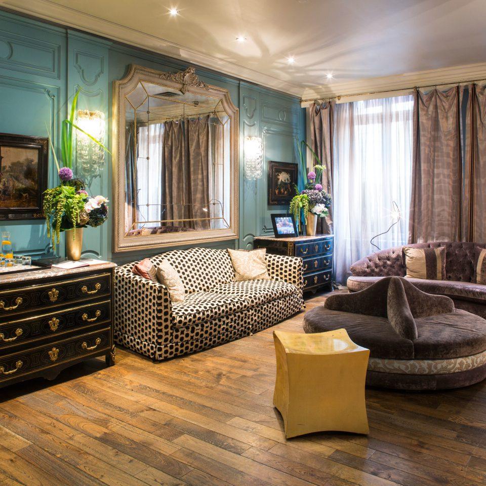 Bedroom Business City Elegant Modern Romantic Suite living room property home hardwood mansion condominium wood flooring flooring cottage