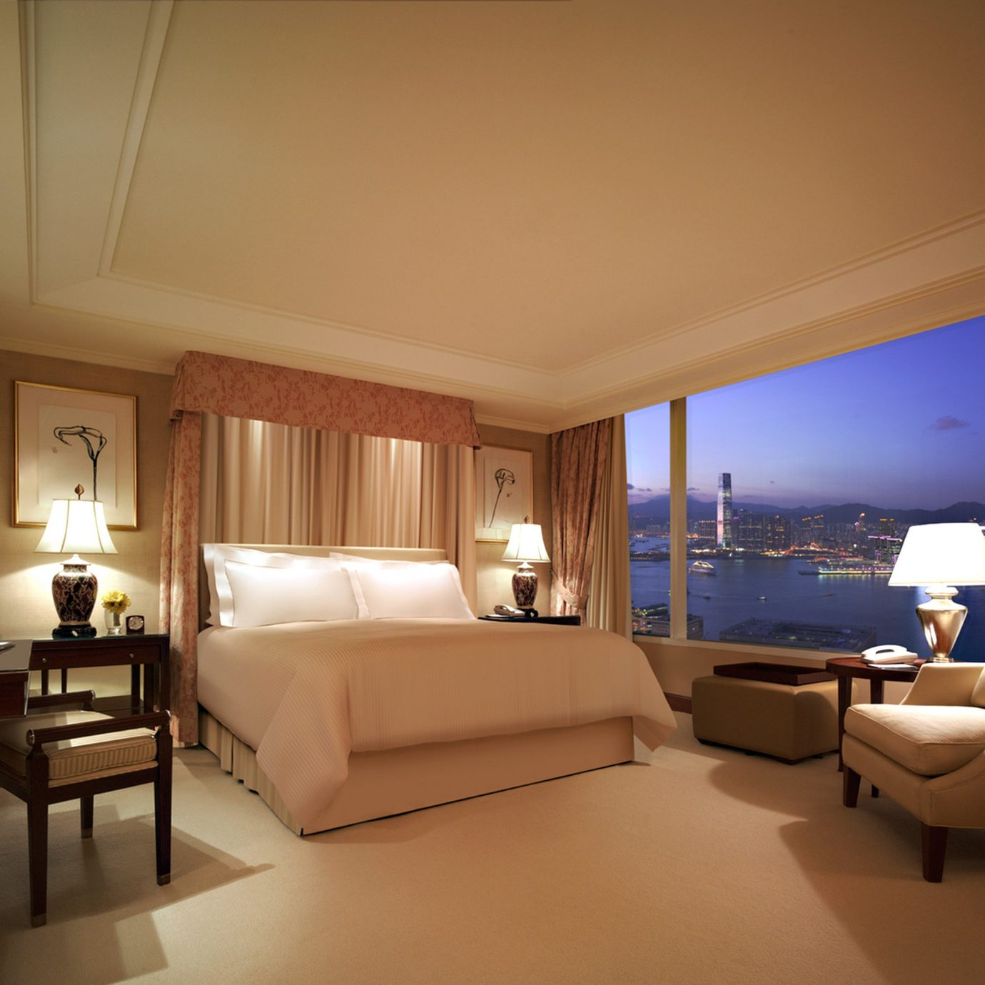 Bedroom Business City Elegant Scenic views property Suite living room condominium yacht