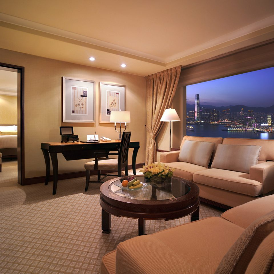 Bedroom Business City Elegant Scenic views Suite property living room yacht home condominium