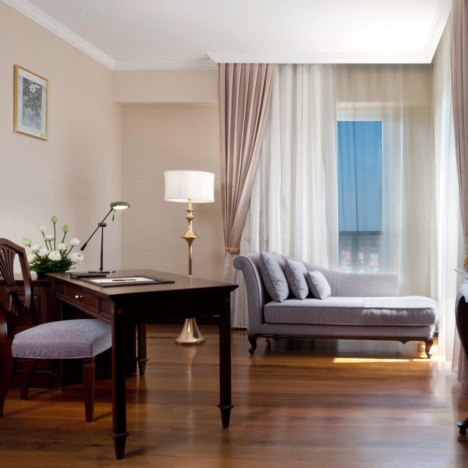Bedroom Business Classic Resort Scenic views property home living room hardwood Suite wood flooring condominium cottage hard