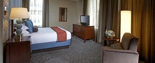 Bedroom Business Classic property Suite cottage condominium Resort