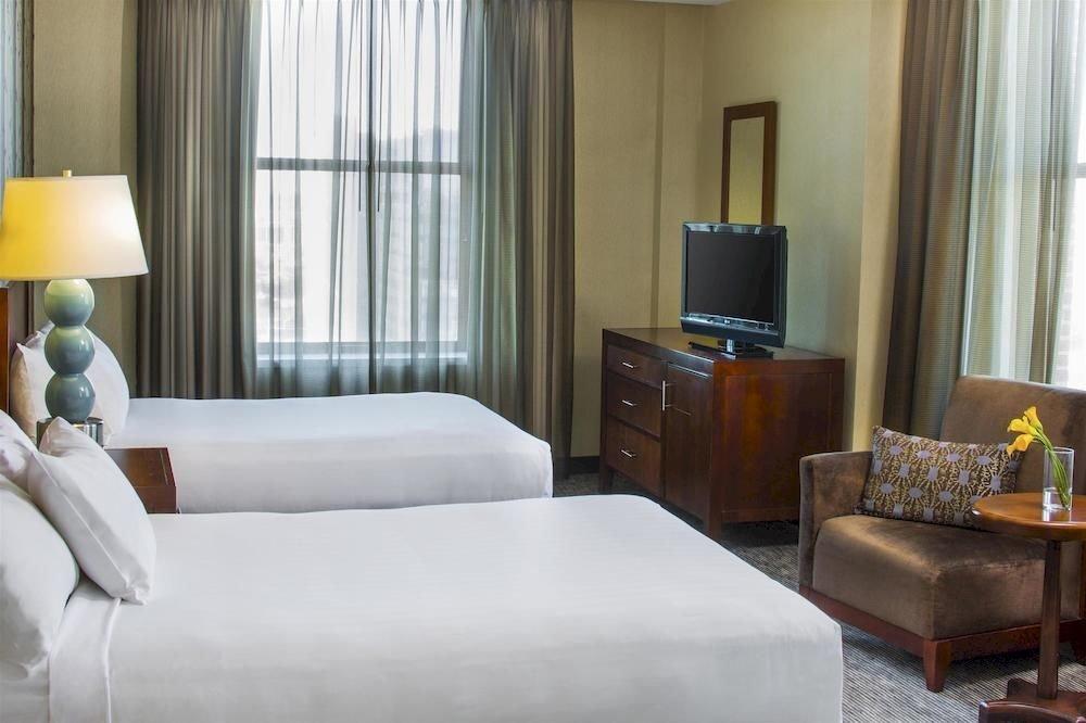 Bedroom Business Classic sofa property Suite living room pillow condominium home lamp