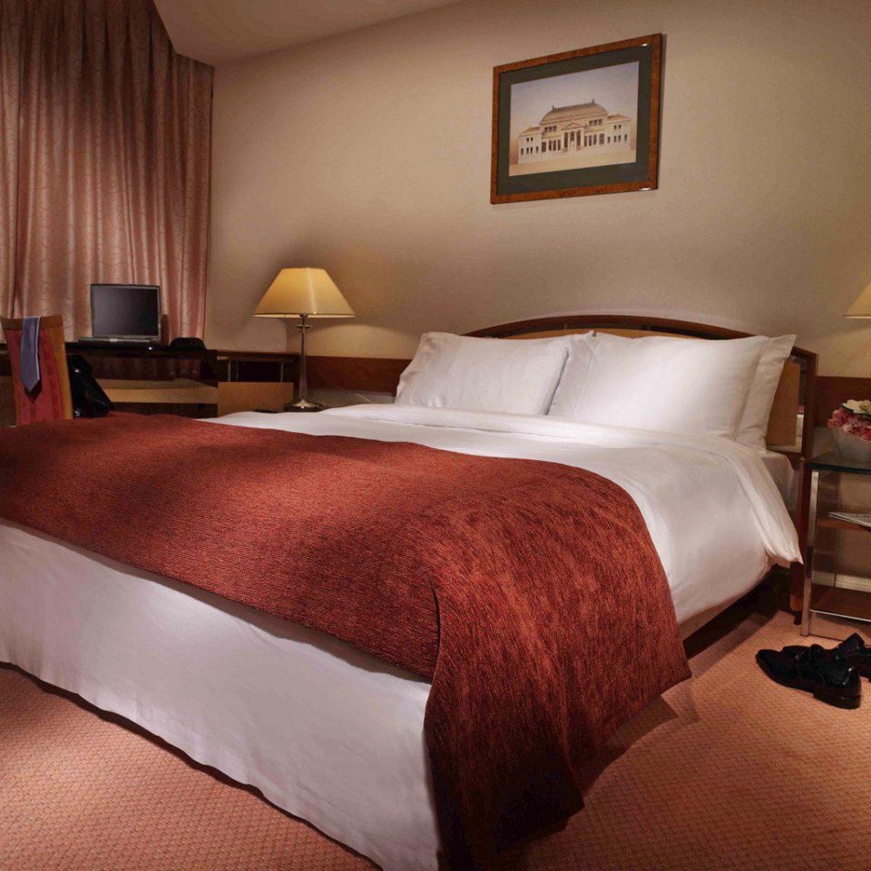 Bedroom Business Classic sofa property Suite bed sheet hardwood lamp cottage bed frame night