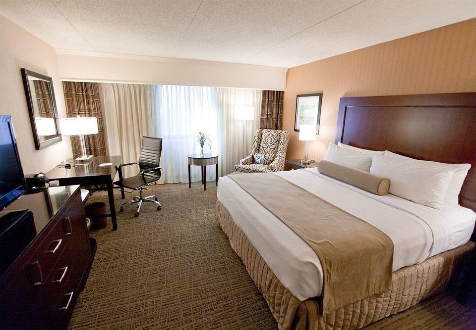Bedroom Business property desk Suite cottage Resort