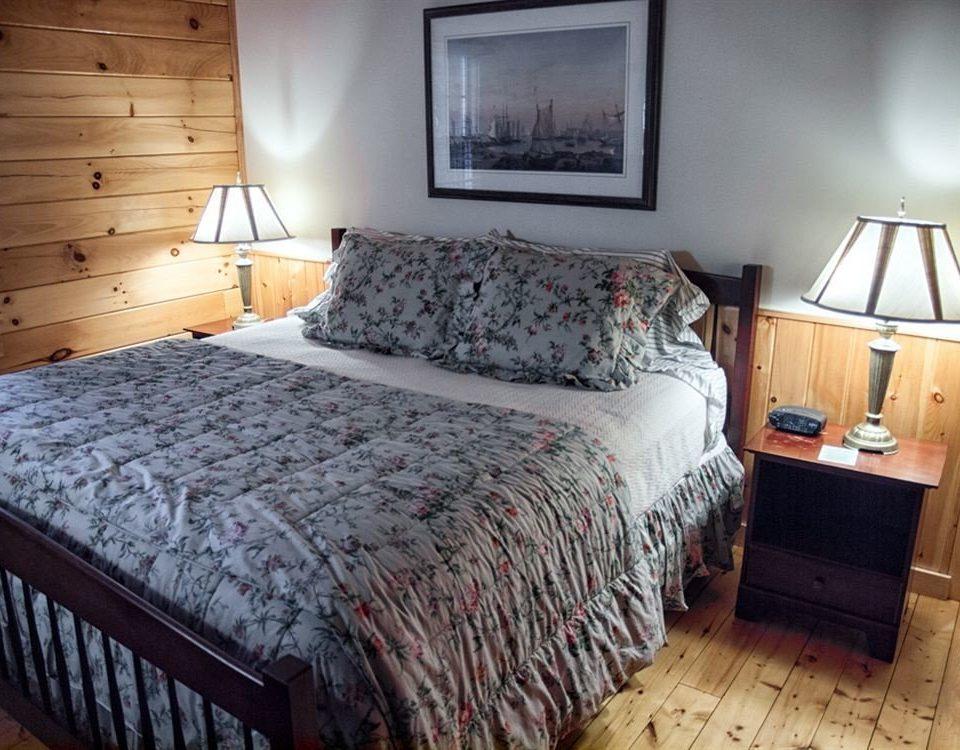 Bedroom Cabin Lodge property cottage bed sheet bed frame