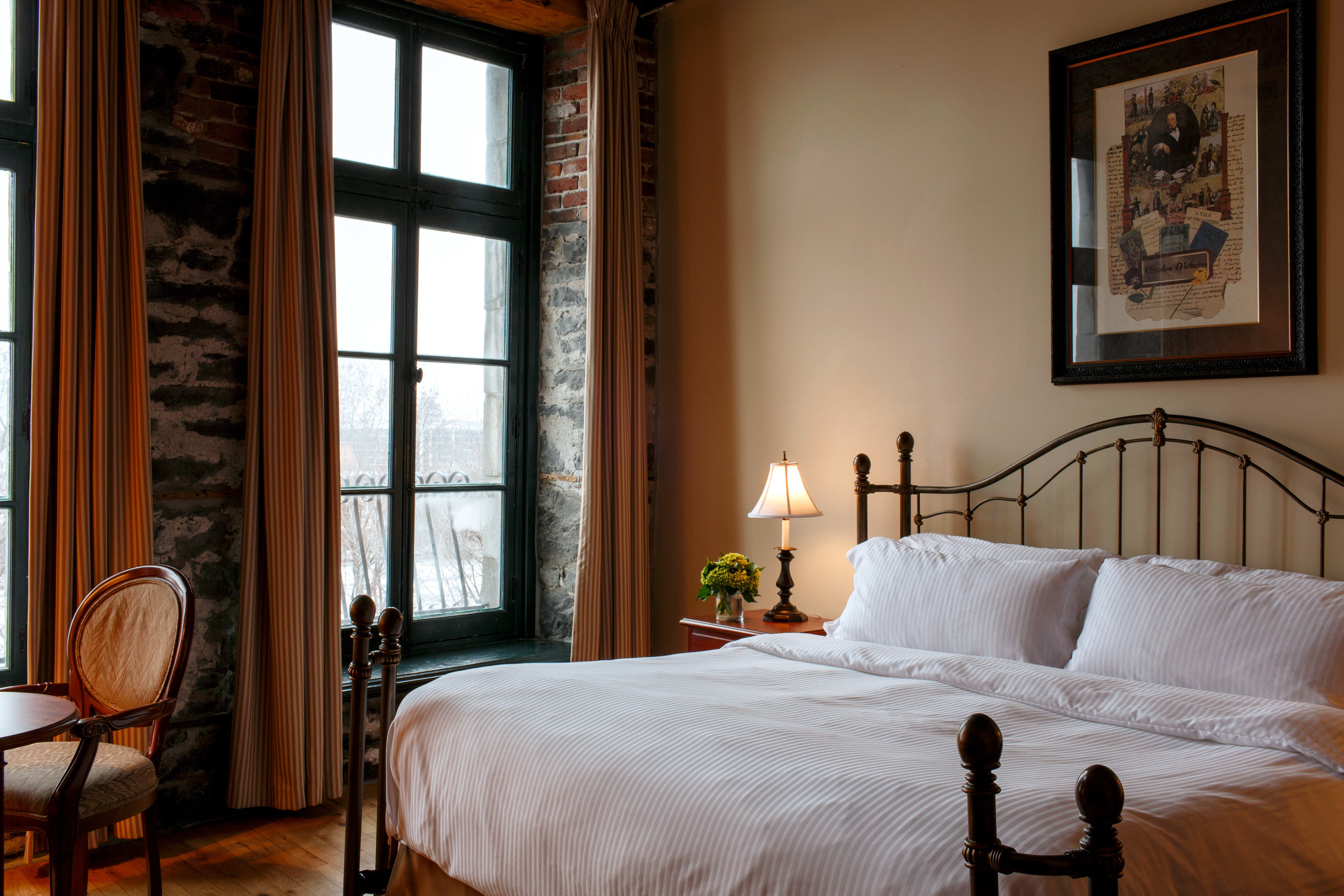 Bedroom Canada Hip Historic Hotels Luxury Montreal Suite Trip Ideas property home cottage farmhouse living room