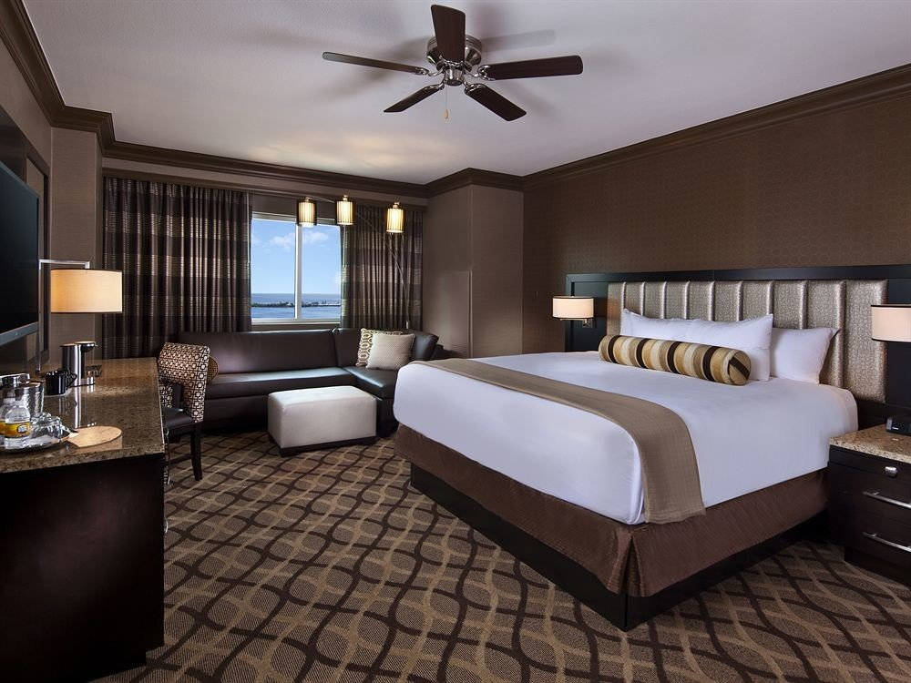 Bedroom Casino Resort property Suite living room condominium