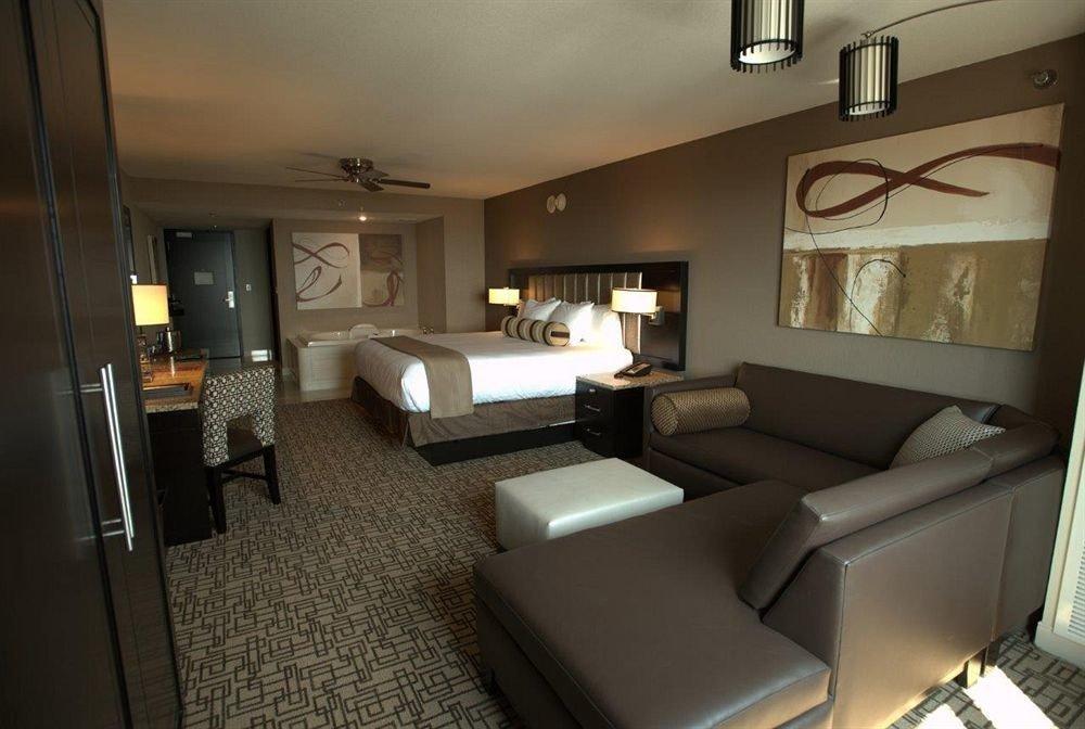 Bedroom Casino Resort property condominium Suite living room home cottage Villa
