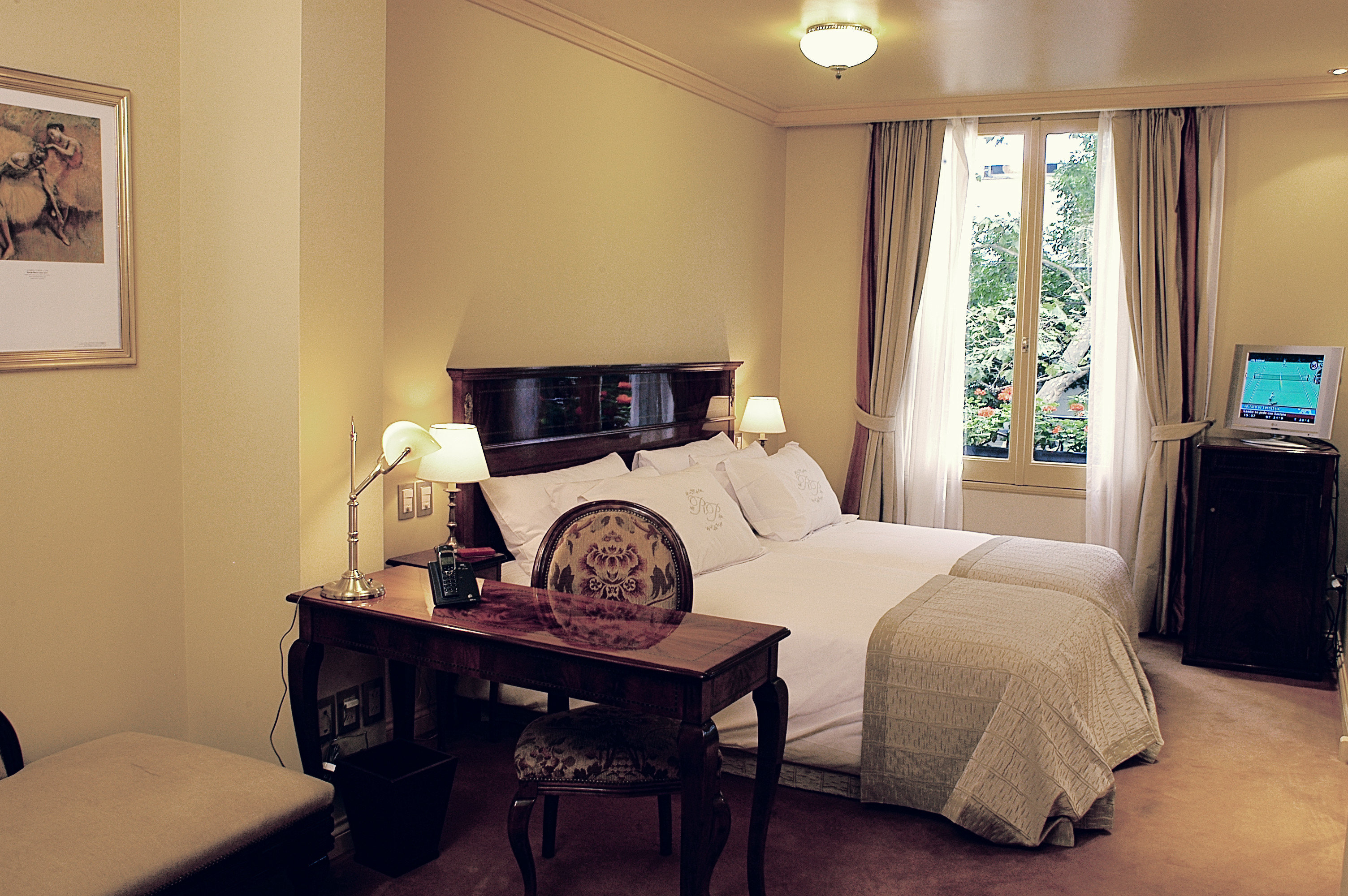 Bedroom City Classic Cultural living room property home house Suite cottage condominium
