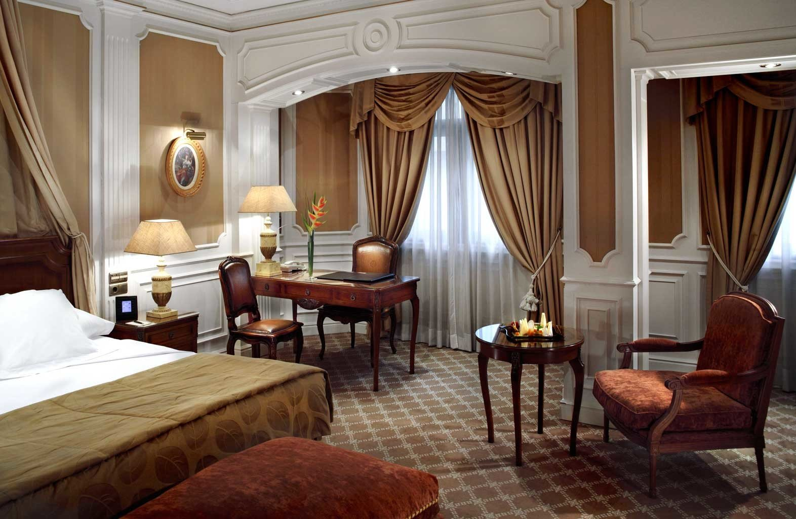 Bedroom City Classic Elegant Historic chair property Suite living room mansion