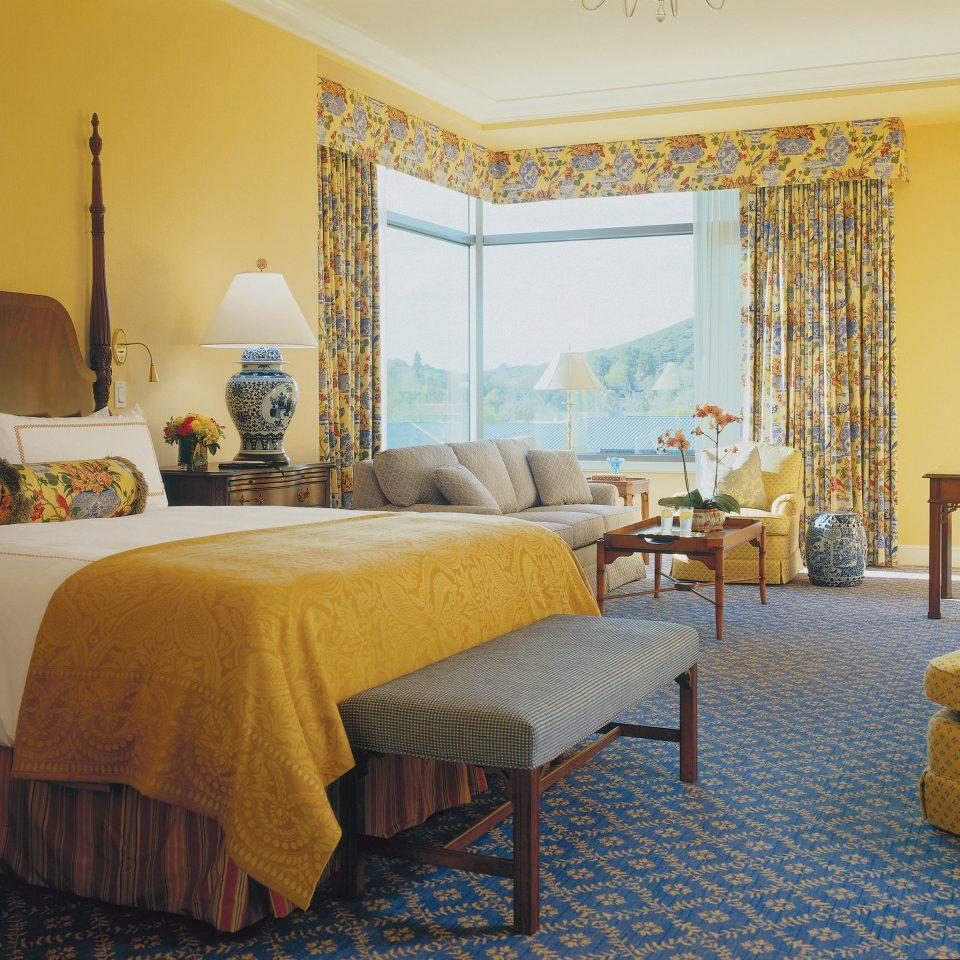Bedroom City Classic Elegant Luxury Scenic views sofa property Suite scene living room Villa cottage
