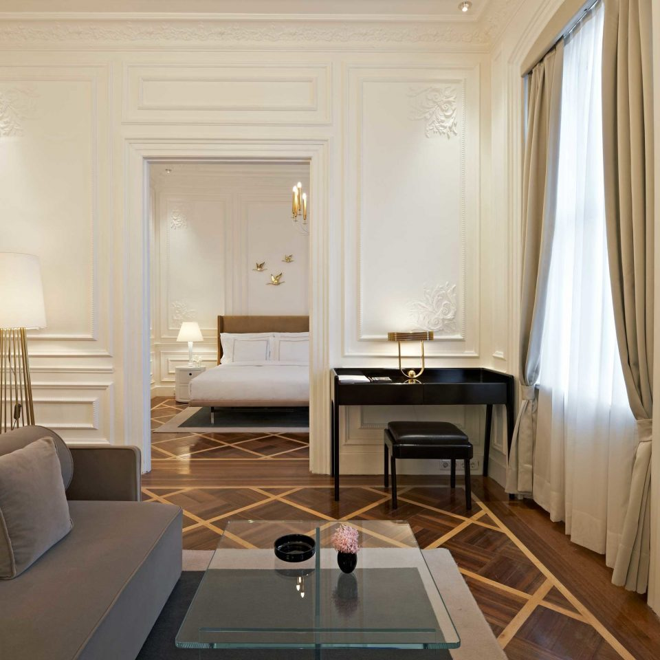 Bedroom City Classic Elegant Historic property living room Suite home cottage condominium mansion wood flooring flat
