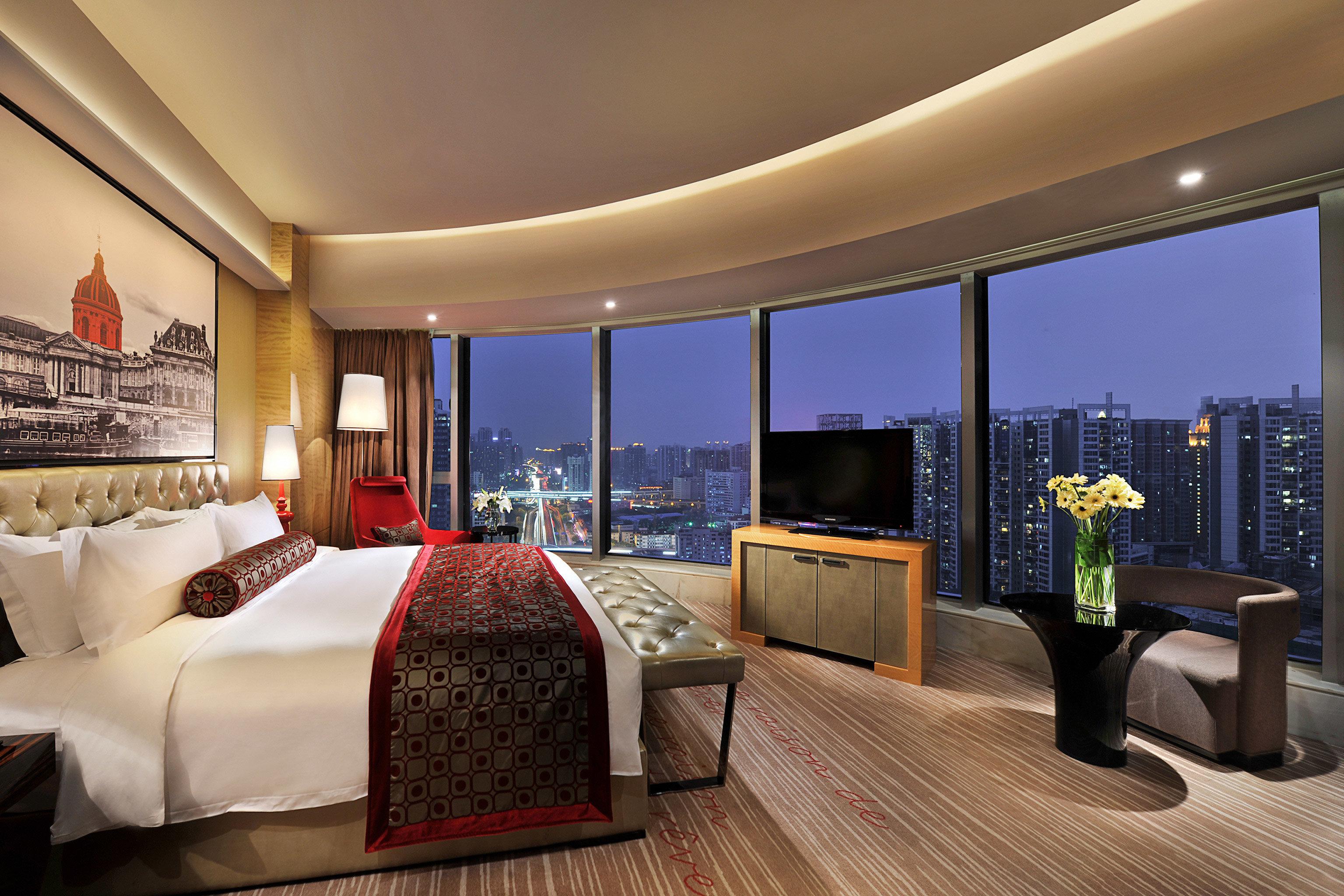Bedroom City Classic Resort Scenic views sofa property Suite living room condominium home Lobby