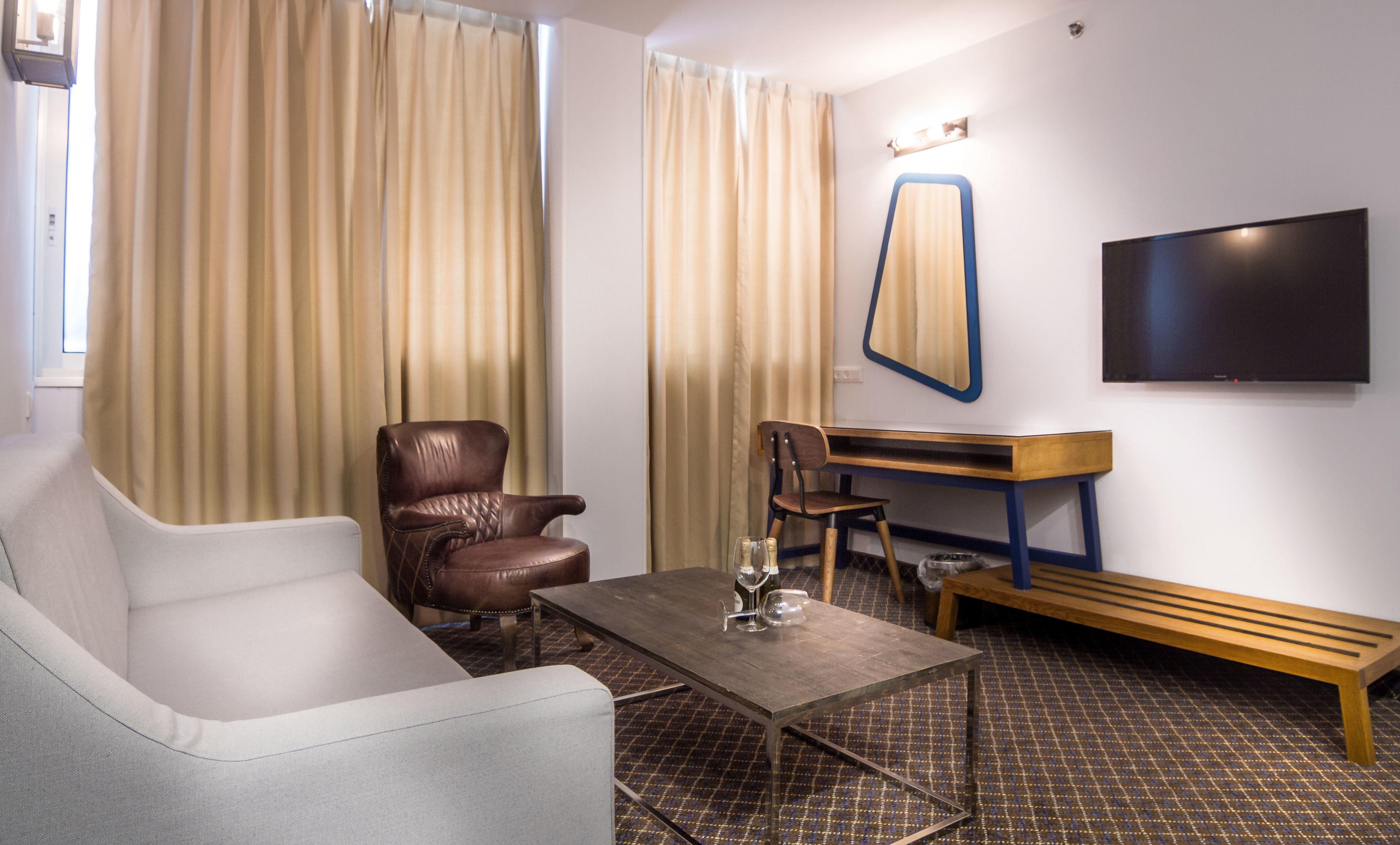 City Classic Lounge Suite property curtain condominium Bedroom living room Modern