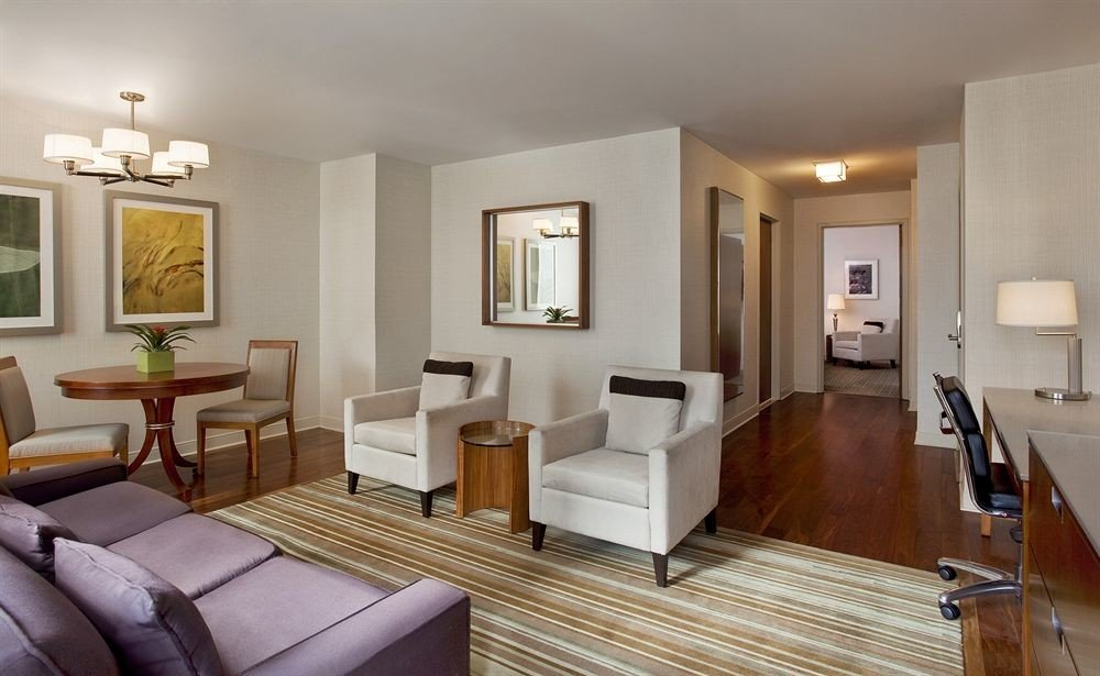 Bedroom City Classic Modern Suite sofa property living room home hardwood condominium Villa cottage mansion flat