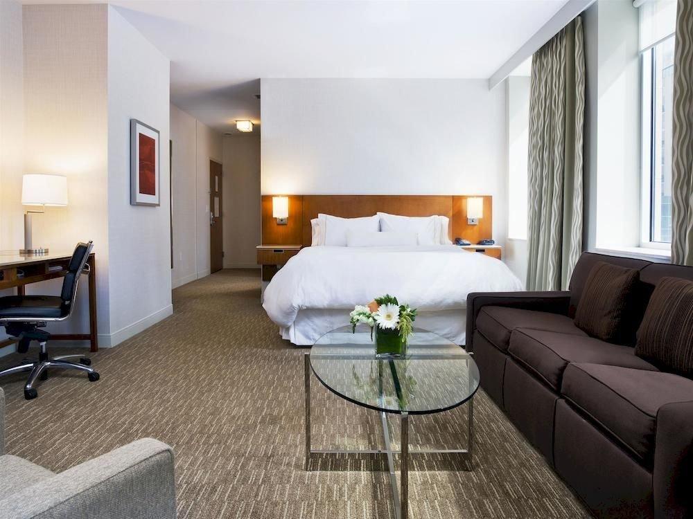 Bedroom City Classic Modern sofa property Suite condominium living room home cottage Villa