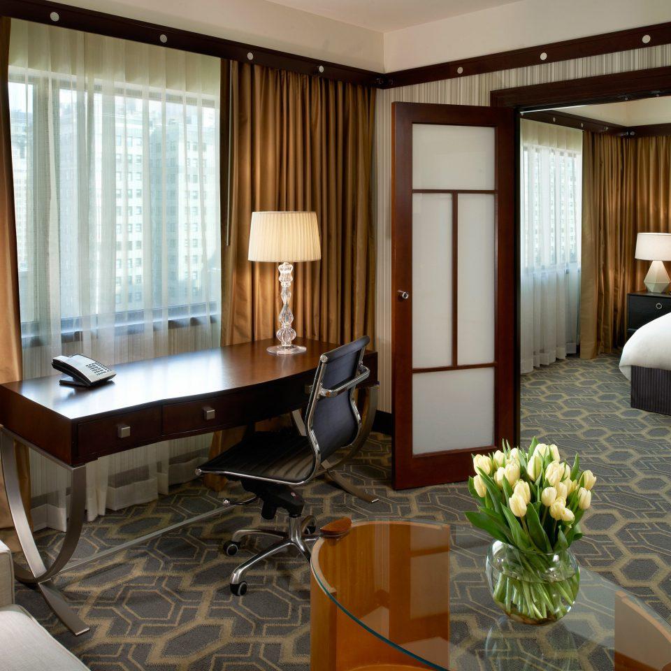 Bedroom City Classic Resort Suite property condominium living room home cottage flat