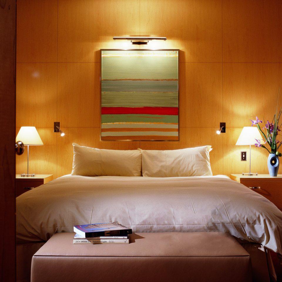 Bedroom City Classic Resort sofa Suite cottage lamp