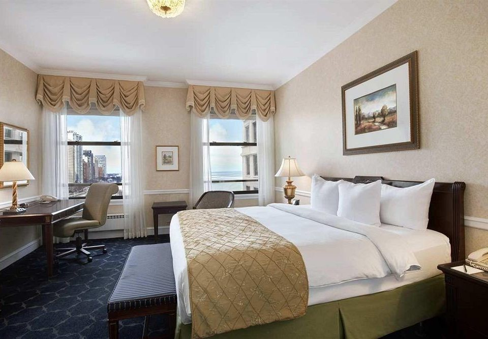 Bedroom City Classic Scenic views property Suite cottage condominium Villa living room Resort tan
