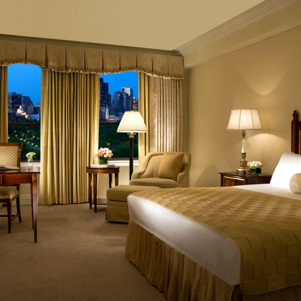 Bedroom City Classic Resort Scenic views sofa property Suite cottage Villa