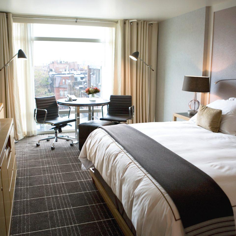 Bedroom City Classic Scenic views sofa property Suite condominium home cottage
